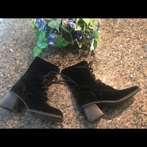 Gorgeous Coca black velvet and suede boots.